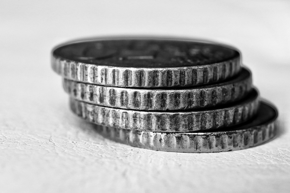 čtyři mince