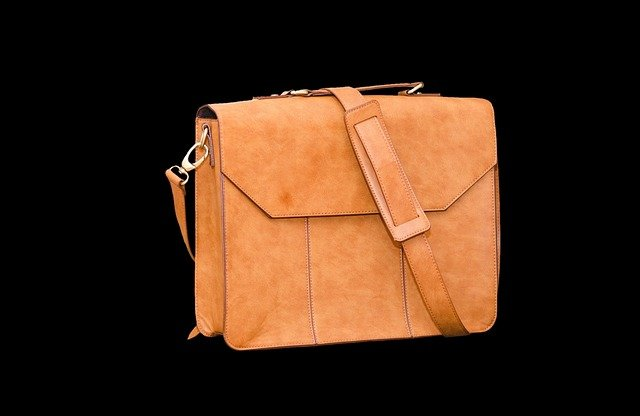 kabelka přes rameno