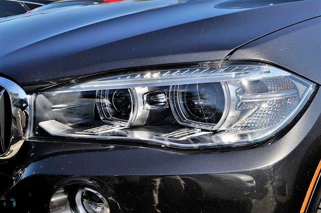 Auto žárovky Osram Night Breaker prodlužují osvit krajnice až o 90 procent