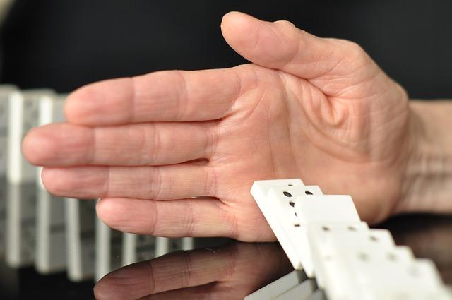 ruka u domina