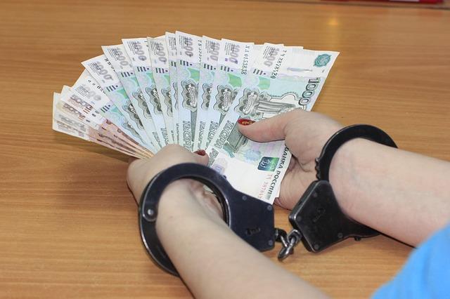 ruce s penězi